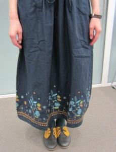 裾の刺繍の色もデザインもかわいい