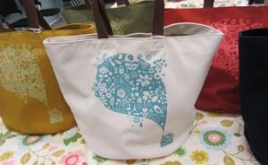 10周年の限定デザインのバッグ