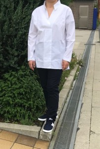Tidobuy白シャツ着て2